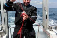 Untangling DSMB reels after diving